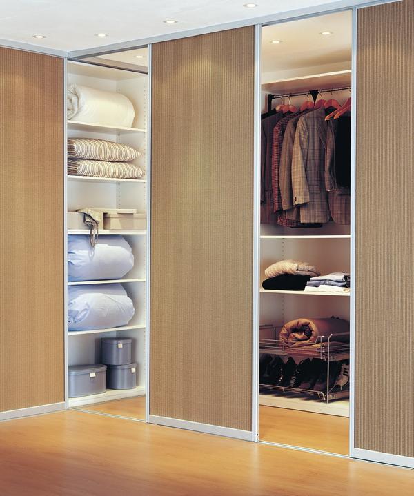 gleitt ren f r nischen und ecken dds das magazin f r m bel und ausbau. Black Bedroom Furniture Sets. Home Design Ideas