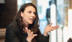 Europlac_CEO_Marina_Röhr_im_Gespräch_mit_Hubert_Neumann.