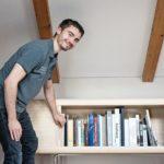 Johannes Müller öffnet sein Meisterstück, das Sideboard »Biblioteca«
