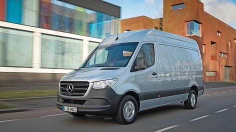 Alle Varianten des Sprinters gibt es ab Herbst 2021 mit dem Vierzylinder-Diesel OM 654 Foto: Mercedes-Benz