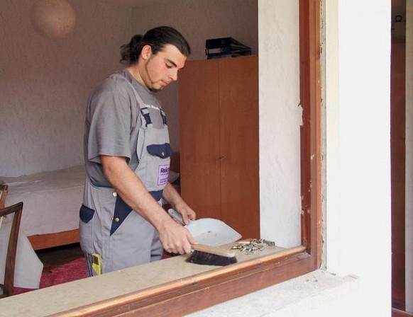 Die handwerker kommen dds das magazin f r m bel und for Wer nimmt gebrauchte mobel