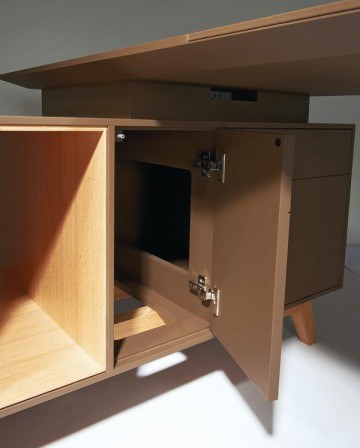 kommode mit anhang dds das magazin f r m bel und ausbau. Black Bedroom Furniture Sets. Home Design Ideas