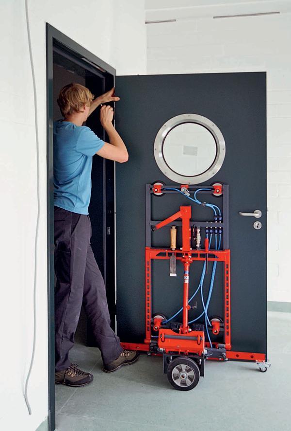 n tzliche helfer dds das magazin f r m bel und ausbau. Black Bedroom Furniture Sets. Home Design Ideas