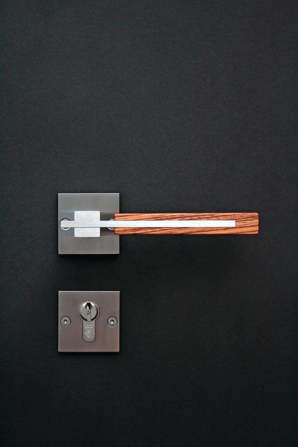 handschmeichler f r t r und fenster dds das magazin f r m bel und ausbau. Black Bedroom Furniture Sets. Home Design Ideas