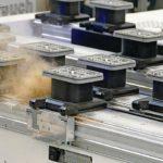 CNC-Konsole von Homag: Abblasdüsen machen den Weg für die schwebenden Sauger frei Foto: Homag Group AG