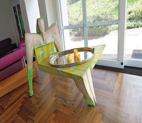 kunst silber und schellack dds das magazin f r m bel und ausbau. Black Bedroom Furniture Sets. Home Design Ideas