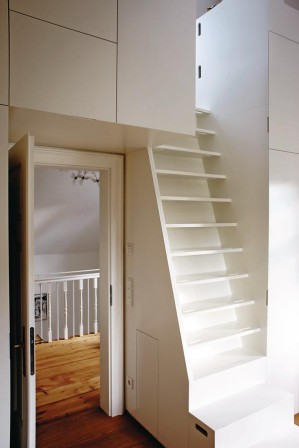 villa mit adlerhorst dds das magazin f r m bel und ausbau. Black Bedroom Furniture Sets. Home Design Ideas