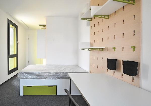 studis home dds das magazin f r m bel und ausbau. Black Bedroom Furniture Sets. Home Design Ideas