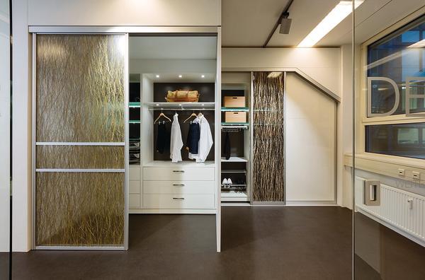 alu rahment ren mit zahlreichen gestaltungs und funktionsm glichkeiten dds das magazin f r. Black Bedroom Furniture Sets. Home Design Ideas