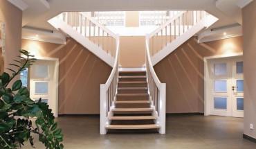 massivholztreppe in faltoptik dds das magazin f r. Black Bedroom Furniture Sets. Home Design Ideas