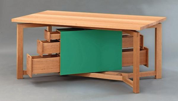 esstisch mit stauraum haku esstisch messing und rauchglas. Black Bedroom Furniture Sets. Home Design Ideas
