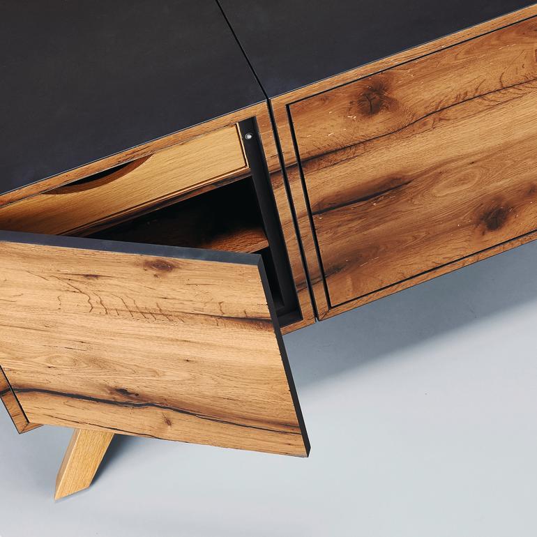 junge gesellen alte eichen dds das magazin f r m bel und ausbau. Black Bedroom Furniture Sets. Home Design Ideas