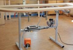 Die schlank konstruierte Vakuum-Spannvorrichtung kann überall aufgestellt werden