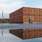 Sabine und Johannes Grimme haben ihre Schreinerei in 16 Übersee-Container im Münsteraner Hafen eingebaut.