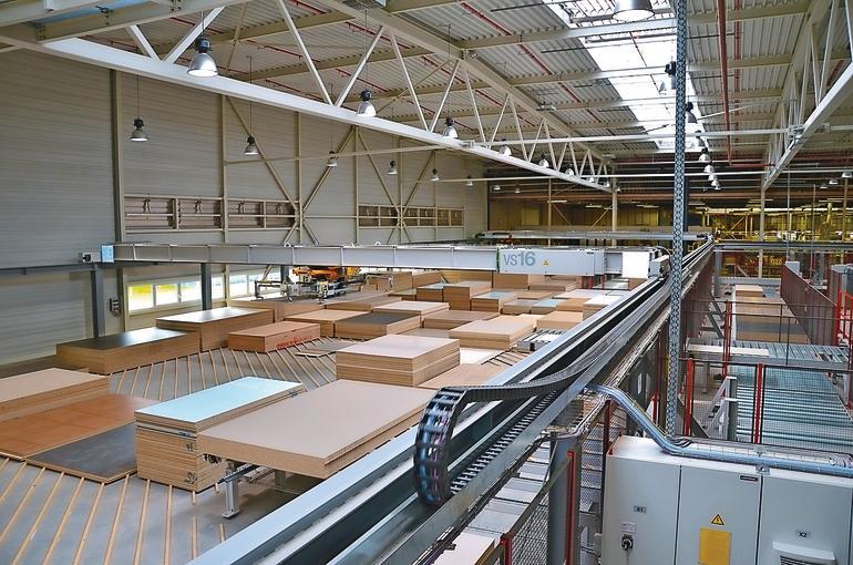 Die gläserne Küchenmöbelfabrik. - dds – Das Magazin für Möbel und Ausbau