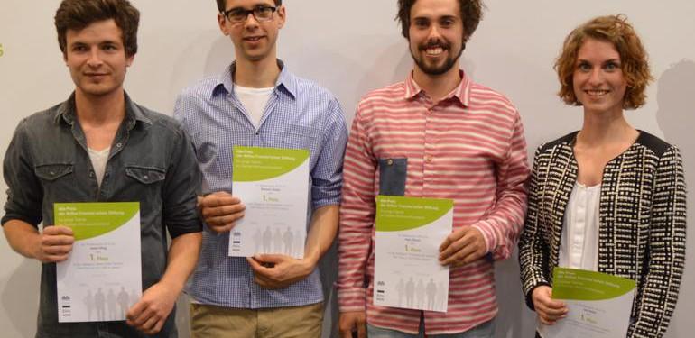Glückliche Sieger: Jonas Eiling, Manuel Chmiel, Sven Flösser, Lea Hailer (v.l.n.r.)