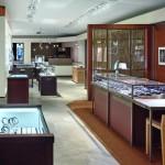 Drubba Moments: Bis auf eine verbliebene klassische Kuckucksuhr werden nur Uhren aus dem gehobenen Premiumsegment in der Uhrenwelt »Drubba Moments« den Kunden präsentiert