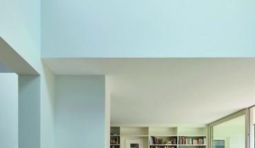 Klassisch-moderner Innenausbau im Wohnhaus eines Architekten