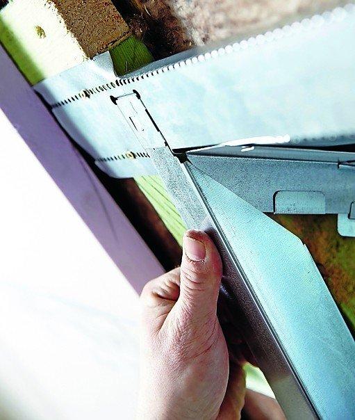dachausbau mit blechschere dds das magazin f r m bel und ausbau. Black Bedroom Furniture Sets. Home Design Ideas