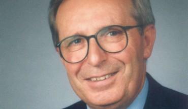 Professor Dipl.-Ing. Josef Schmid, ehemaliger Leiter des Instituts für Fenstertechnik Rosenheim, ist im Alter von 79 Jahren verstorben