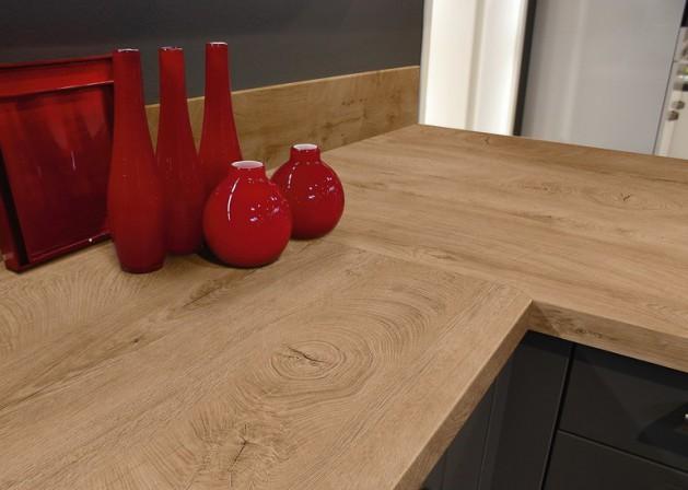 stirnholz auf l ngsholz ein neues eiche laminatdekor von kaindl mit stirnholzelementen erregt. Black Bedroom Furniture Sets. Home Design Ideas