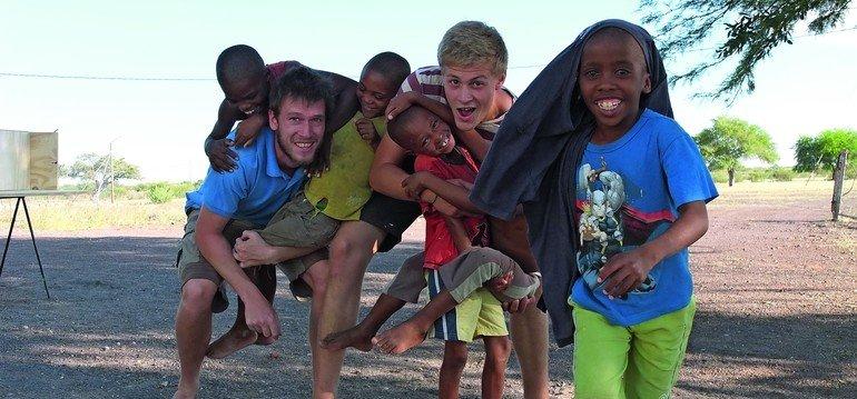 Gewinner des dds-Preis der Arthur Franck'schen Stiftung: Milan Dahmen hat bei einem Kinderhilfsprojekt in Namibia nicht nur schöne Erfahrungengesammelt, aber bereichernd waren sie allemal.