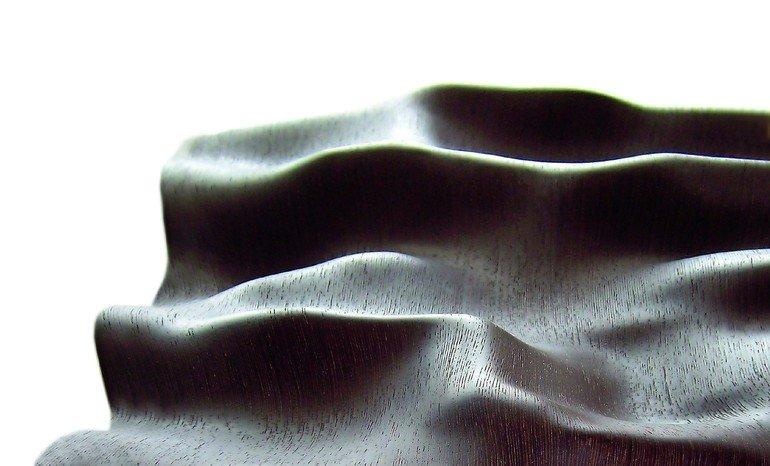 holz wird haut 3d furniere von danzer erm glichen organische holzformen dds das magazin f r. Black Bedroom Furniture Sets. Home Design Ideas