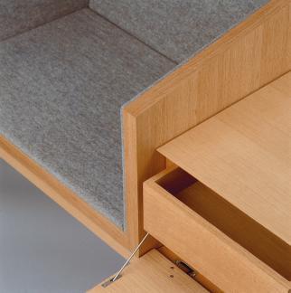 thron von bayern dds das magazin f r m bel und ausbau. Black Bedroom Furniture Sets. Home Design Ideas