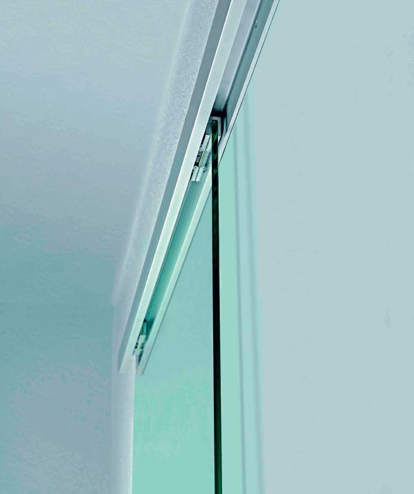 technologie mix aus glas und beschlag dds das magazin f r m bel und ausbau. Black Bedroom Furniture Sets. Home Design Ideas