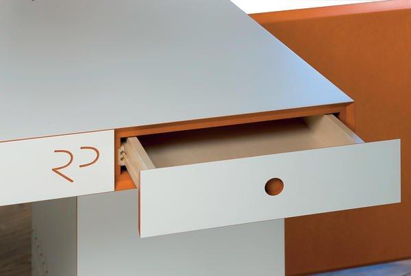 module versus monolith dds das magazin f r m bel und ausbau. Black Bedroom Furniture Sets. Home Design Ideas