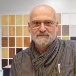 7_Tischlermeister_Andreas_Resch_in_seiner_Ausstellung.jpg