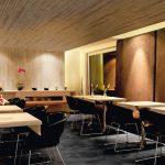 Akustikpaneel-Restaurant-SwissClic-SwissKrono.jpg