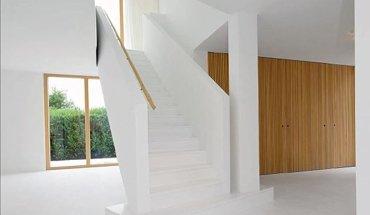 Wohnhaus in regensburg minimalismus pur dds im detail for Minimalismus im haus buch