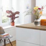 Auch für Arbeitsplatte und Fußboden kann dasselbe Dekor Foto: Egger Holzwerkstoffe GmbH & Co. KG