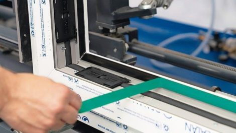 STV-Klebetechnik von Gealan: Normal große Elemente kommen ohne Stahl aus Foto: Gealan Fenster-Systeme GmbH