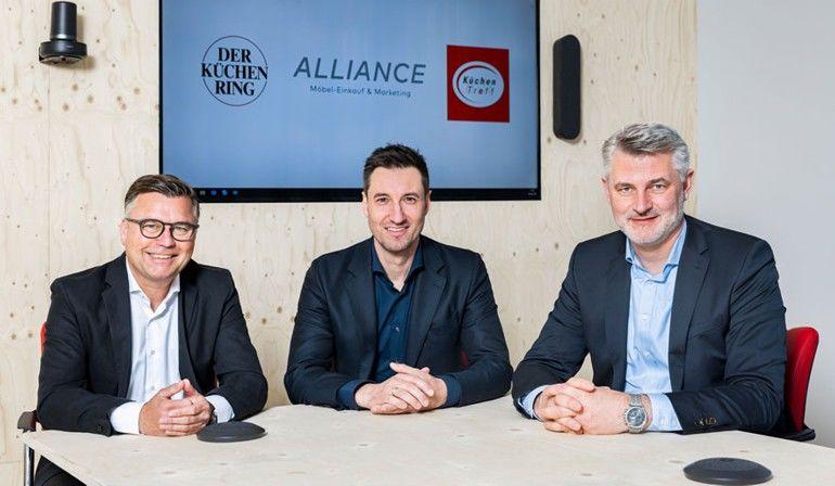 (v. l.): Jürgen Feldmann, Daniel Borgstedt und Marko Steinmeier teilen sich künftig die Führung der Verbände Alliance, Küchenring und KüchenTreff Foto: Alliance, Küchenring, KüchenTreff