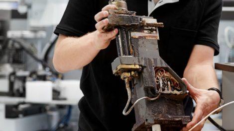 Gewinne im Juni eine von drei Reinigungen Deiner Leim-Auftragseinheiten von Homag jeweils im Wert von 450 Euro! Foto: Homag Group AG