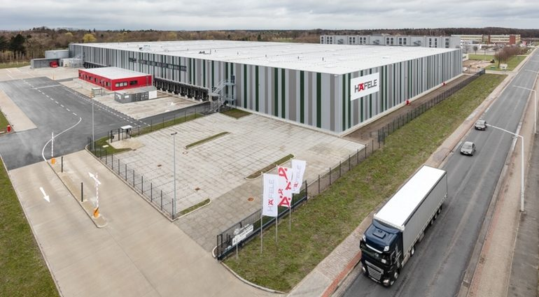 Haefele_Logistics_Lehrte_Versandzentrum_Beschlaege.jpg