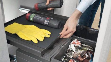 Mülleimer de luxe: Auch die Utensilienablage ist beim »Cargo Synchro« ausfahrbar Foto: Hailo-Werk Rudolf Loh GmbH & Co. KG