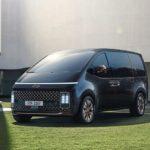 Der Hyundai Staria tritt mit futuristischem Design gegen den T7 von Volkswagen an Fotos: Hyundai