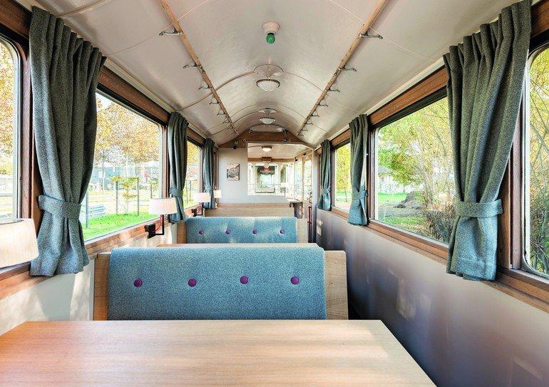 Innenausbau-Tram-Bernmobil-Restaurant.jpg