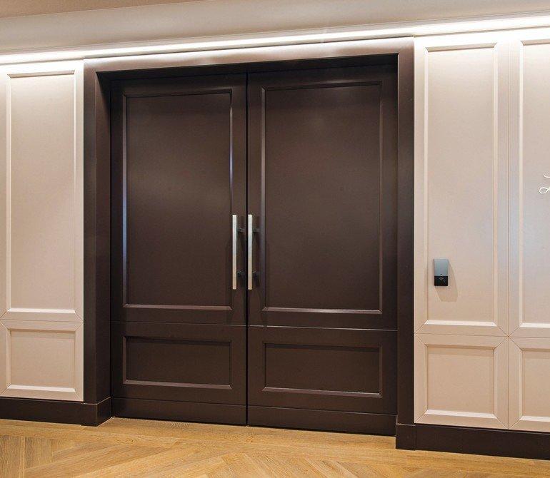 herausforderung hotel beim bau des sofitels in frankfurt waren t ren mit sehr hohen. Black Bedroom Furniture Sets. Home Design Ideas
