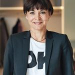 Wolfgang Kettnakers Schwester Karin Brobeil ist Creative Director der Kettnaker Möbelmanufaktur: Foto: Kettnaker