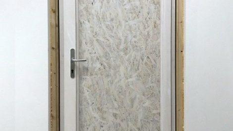 Die Baustellentür ersetzt das Original bis zum Übergabetag Foto: Kneer GmbH