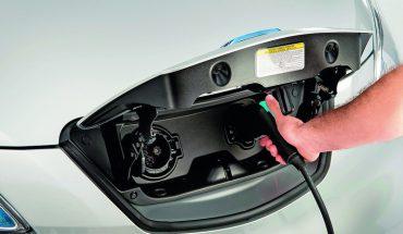 Laden-Elektrotransporter-Nissan-e-NV200.jpg