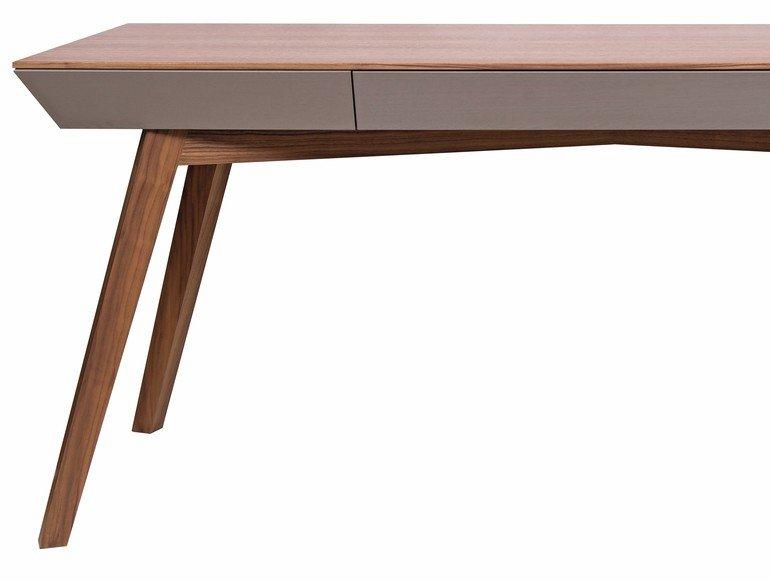 Meisterstueck-Schreibtisch-Alexander-Enns_01.jpg