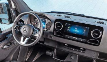 Mercedes-Benz_Sprinter_–_Interieur___Mercedes-Benz_Sprinter_–_Interior_