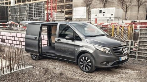 Der_neue_Mercedes-Benz_Vito_Kastenwagen_–_Exterieur,_Selenitgrau_metallic___The_new_Mercedes-Benz_Vito_Panel_Van_–_Exterior,_Selenite_grey_metallic_