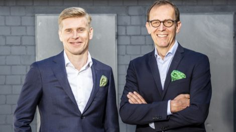 Horst Garbrecht (r.), CEO von Metabo und COO von KOKI Holdings Europe, will beruflich neue Wege gehen. Der bisherige Direktor Vertrieb Europa, Henning Jansen, wird zum 1. Juli sein Nachfolger Foto: Metabo