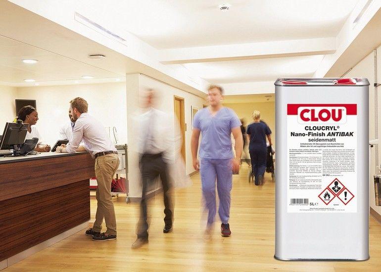 Busy_Nurse's_Station_In_Modern_Hospital